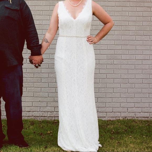 Womans Size 8 Ivory Lace Wedding Dress